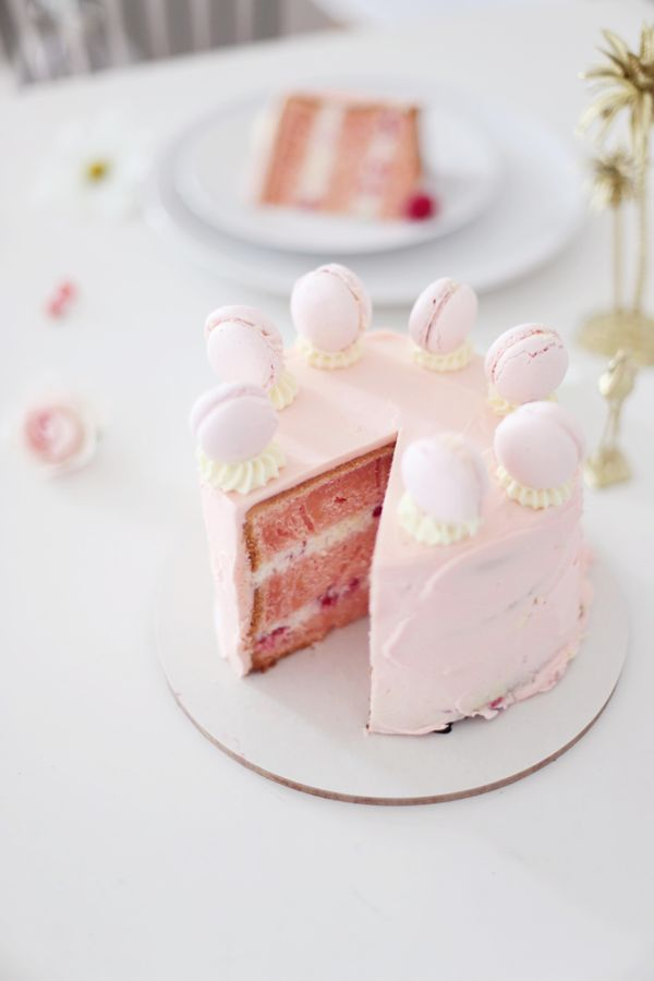Macaron cake and party ideas
