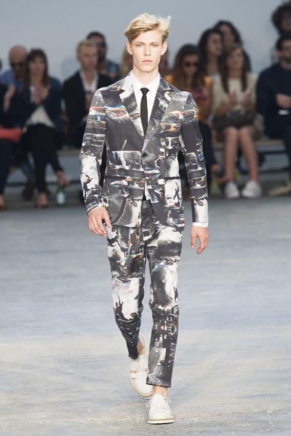 MMU S/S 2015 - Frankie Morello See all fashion show at: http://www.bookmoda.com/?p=17887 #summer #SS #catwalk #fashionshow #menswear #man #fashion #style #look #collection #milan #fashionweek #frankiemorello