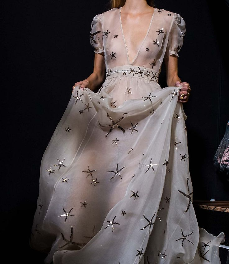 A Game of Clothes  -  What Shiera Seastar would have worn, Valentino
