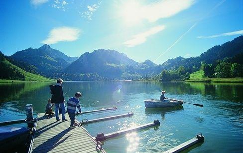Férias em família. Reserva natural de Breccaschlund, Suíça.