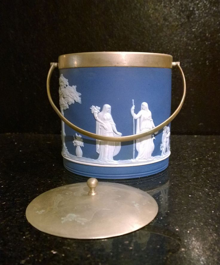 wedgwood jasperware markings dating Any wedgwood experts about need a little help 227918-1334/wedgwood-blue-jasper-ware-225th dealers and they know how important the mark on wedgwood.