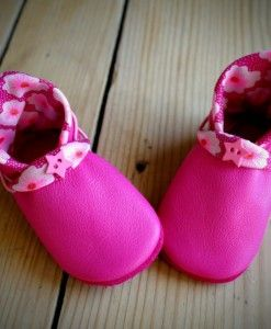 Chausson bébé en cuir lutin fuschia tissu #madeinfinistere