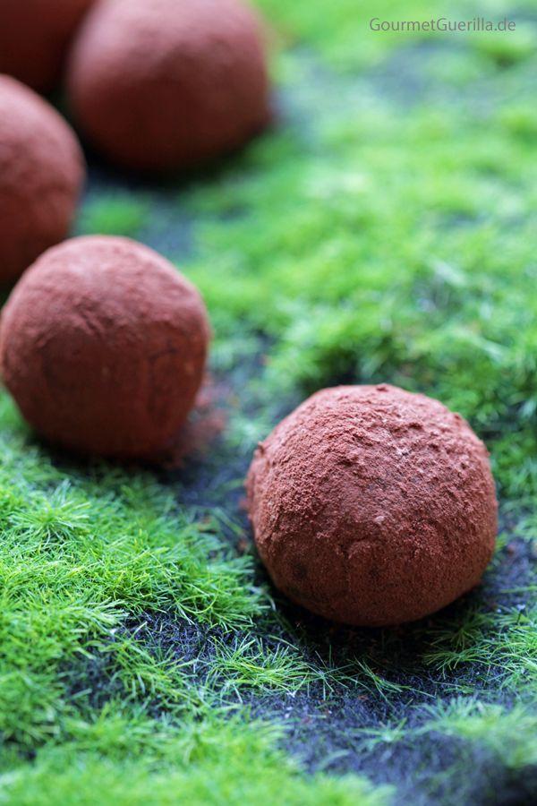 Schokoladen-Avokado-Trüffel #rezept #vegan