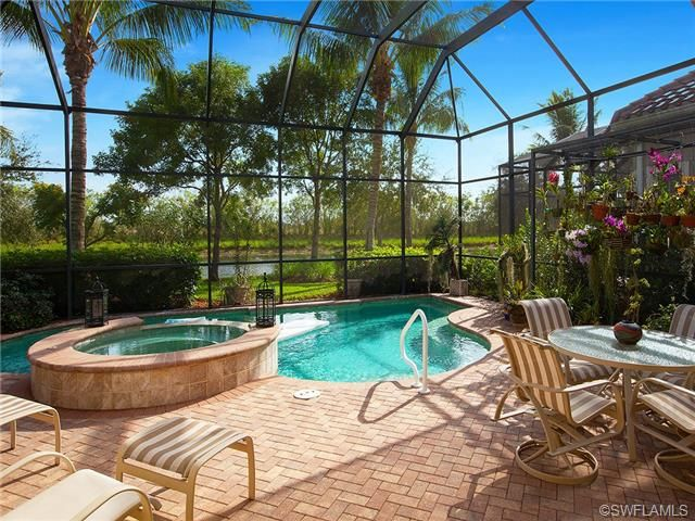 Traditional lanai and screened pool in cranberry crossing for Pool designs florida