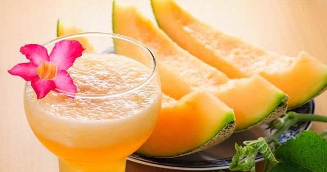 Pierde peso y duerme mejor con agua de melón, ¡apunta la receta!