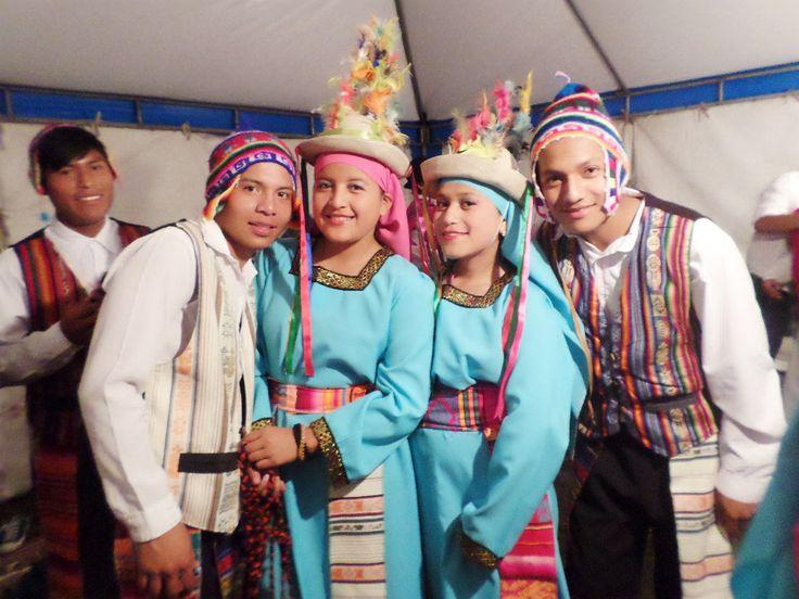 """El significado de la palabra Tinku es """"encuentro"""" (de la palabra quechua tinkuy, encontrarse). En los últimos años también ha sufrido una tergiversación al ser presentada como una danza folclórica, que rápidamente se hizo muy popular, especialmente en las ciudades y que cada vez se aleja más del origen y significado propio."""