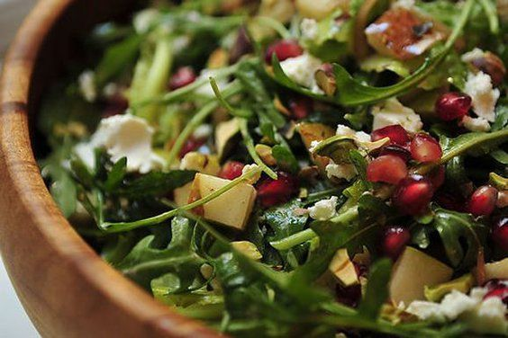 Arugula, Pear and Goat Cheese Salad with Pomegranate Vinaigrette