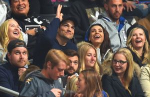Watch Ashton Kutcher and Mila Kunis Adorable Kiss Cam Makeout