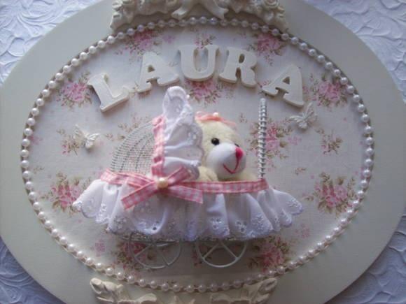 Medidas 31,5 cm X 26,5cm Vai com nome do bebê aplicado. Pode ser confeccionado em outras cores e estampas R$ 140,00