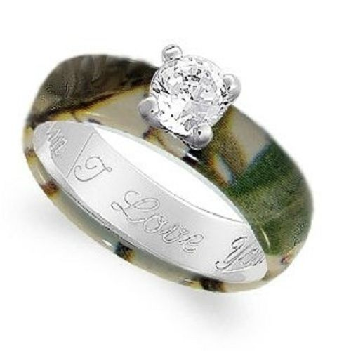 Camouflage wedding rings....I want this for my ring!