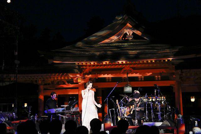 坂本真綾、「素敵な時間をありがとう」2年ぶり国宝・嚴島神社でのライブ終演 (画像 5/5)| 邦楽 ニュース | ロッキング・オンの音楽情報サイト RO69