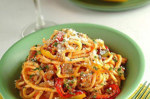 Pasta alla chitarra all 39 abruzzese guitar pasta from for Abruzzese cuisine