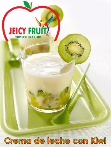 Después de tu almuerzo endulza tu paladar con una rica mezcla de KIWI Jeicy Fruit y crema de leche. Súper rico y fácil de preparar.