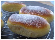 La coque Saint-Aphrodise est une spécialité de Béziers qui se présente sous la forme d'une brioche très moelleuse aromatisée à la fleur d'oranger et au citron. Pour 12 brioches Ingrédients: 500 g de farine T45 ( 125g + 375g) 100g de sucre 50g de beurre...