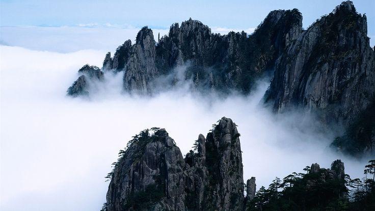 Beauté de la montagne comme une féerie Fonds d'écran - 1600x900