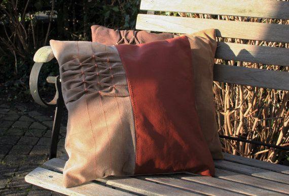 Leather/suede smocked cushion lederen/suede gesmockt kussen