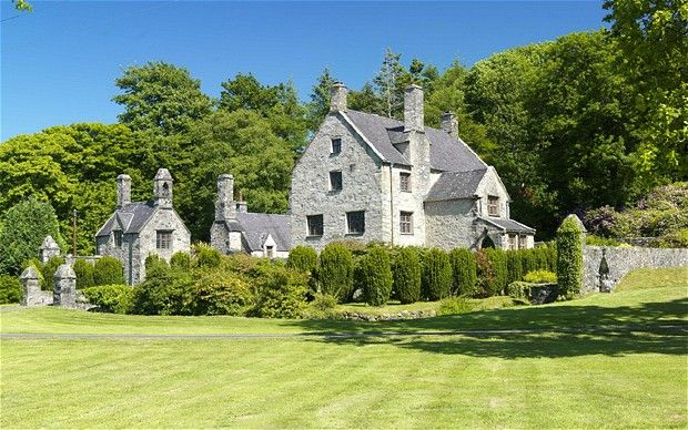 80 best images about home sweet fantasy home on pinterest - The best house in wales ...