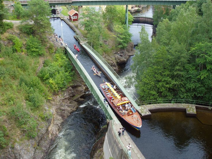 Håverud Su Kemeri - Dalsland, İsveç (1860'larda yapılan kemer 30 metre uzunluğunda ve Dalsland kanalın üzerinde bulunuyor. Birçok turistin ziyaret ettiği büyüleyici manzaraya sahip.