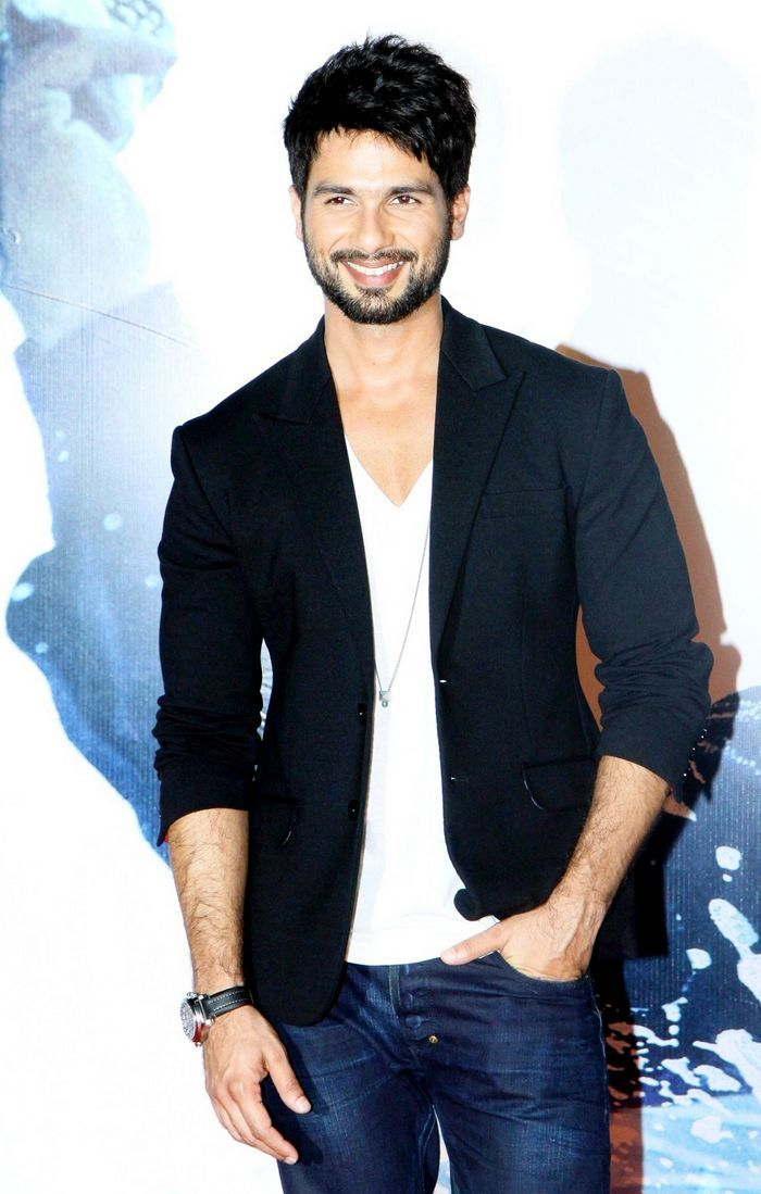 Shahid Kapoor was all smiles at the trailer launch of 'Haider'. #Style #Bollywood #Fashion #Handsome