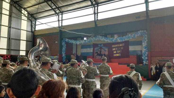 Acto en conmemoración al Bicentenario del cruce de los Andes en el colegio Cornelio Saavedra de Pablo Nogues.