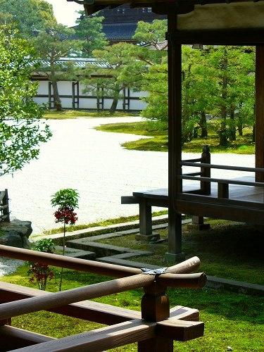 仁和寺:南庭を望む
