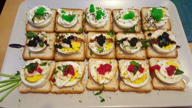 Tartine uovo e caviale