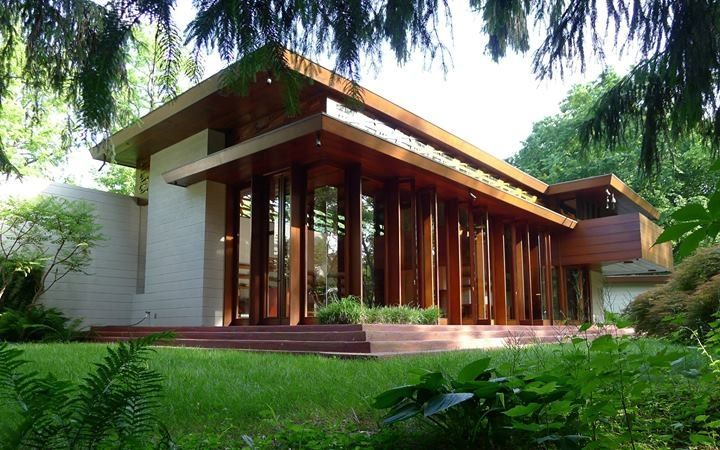 Bachman Wilson House, a Pavillion-style Usonion home designed by Frank Lloyd Wright, has been acquired by Chrystal Bridges Museum, Bentonville, MO. The house was originally built in 1954 along the Millstone River, Borough of Millstone, Somerset County, NJ.