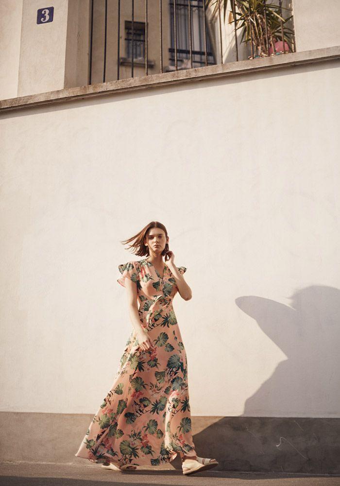 Entdecke die neue Kollektion bei mint&berry! Femininer Stil trifft auf modernes Design. Elegante Blusen, schicke Kleider und frische Farben für selbstbewusste Looks!