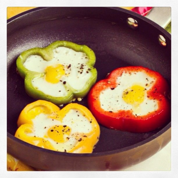 Eggs In Pepper Rings.. good idea! I'd flip the egg though.. or make a scrambled egg mixture w/other veggies too! (and still flip it.. lol)