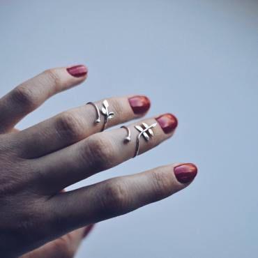 Все кольца изготавливаются вручную под Ваш палец. Представленные модели можно изготовить в двух вариантах: • стандарного размера — 16 и выше • кольца миди — 12-15 размеры Как определить…