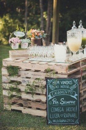 rustic wedding drink bar and wedding sign decor ideas