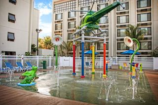 Anaheim (1 Blk/Disneyland®) in Anaheim Mobile Site | Holiday Inn Hotel & Suites
