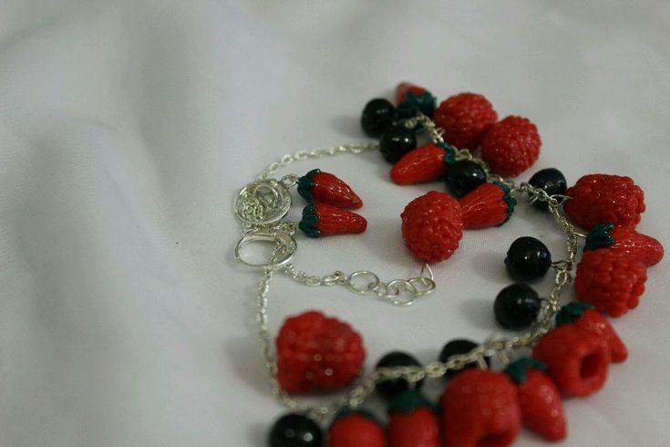 """Комплект из ожерелья и сережек """" Ягодное утро"""" - Ожерелье ручной работы…"""