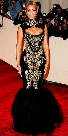 Beyoncé. Can you see Baphomet on her dress?