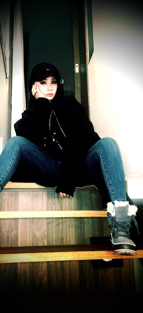 2NE1 || CL