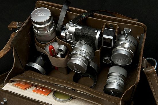 Leica gear in a beautiful Leica bag.  I am so putting this baby in my wishlist.
