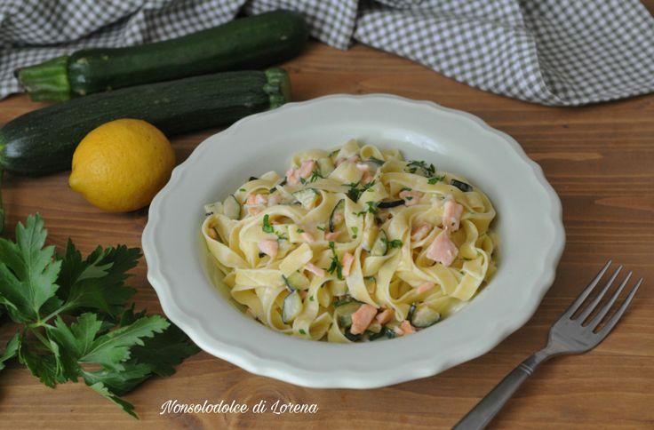 Fettuccine al salmone e zucchine