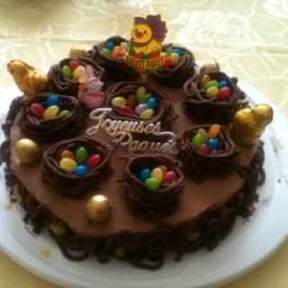 Gateau a la mousse au chocolat pour paques. Easter chocolate cake !