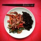 Yummy spicy szechuan beef! Easy, quick, healthy and most importantly delicious!