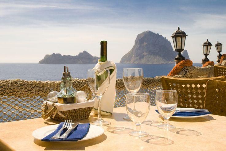 restaurant in ibiza | Ibiza Tour. Restaurant mit Meerblick vor der Es Vedra. Ibiza Urlaub ...
