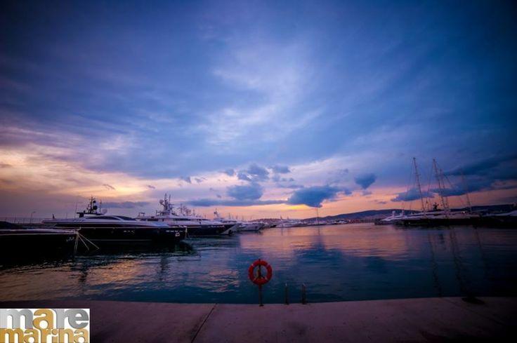 Ειδυλλιακή τοποθεσία με θέα τα πολυτελή Yachts  όπου μπορείτε να απολαύσετε την όποια επιλογή σας από την ανανεωμένη coctail list μας! Boss Exclusive Bar Mαρίνα Φλοίσβου Κτίριο 6-Παλαιό Φάληρο info@maremarina.gr www.maremarina.gr #MarinaFloisvou #Taste #food#Taste#Mood#bonappetit# #Cafe   #Cocktails   #Pamebossexclusivecooctailbar