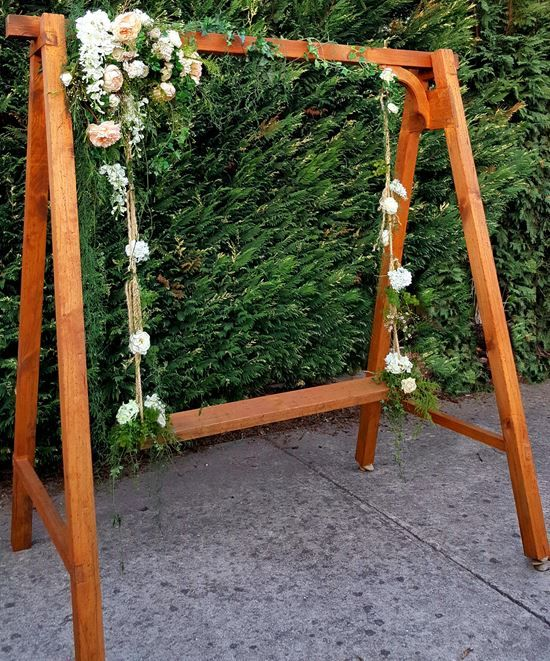 swing chair hire upholstering a seat cushion flowers for your wedding can be decorated with fresh of chocie www ceremoniesido com au cayte in 2019
