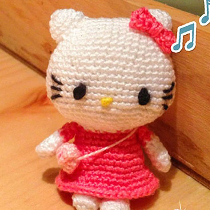 Grab This Super Cute Free Hello Kitty Amigurumi Crochet Pattern