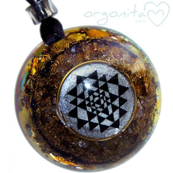 SRI YANTRA ∞ ORGONITA - Mandala negro y plateado - Orgonita | ORGONITAS personalizadas | ORGON |ORGONITE | Orgonites