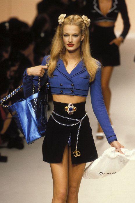 karen-mulder:  Chanel (mid 90s) Model: Karen Mulder