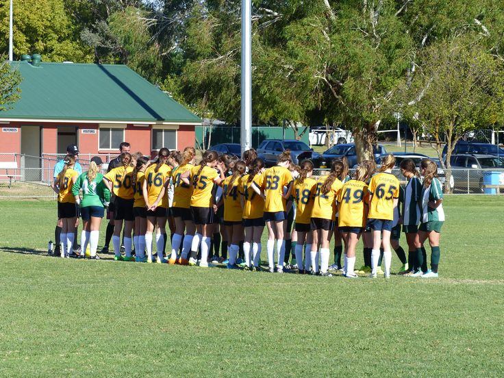 Under17s playing as The North Shore Mariners.