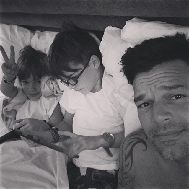 """What a perfect way to wake up!!!! So much #pride ! Hab, vi saknar dig. Happy Pride everyone!!! #Pride2017🌈 #gaypride #gaylove #gaylatino #🏳️‍🌈 #loveislove """
