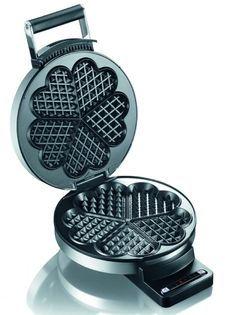 Met de Graef Wafelijzer WA80 maak je gemakkelijk vijf mooie wafels in de vorm van een hart. Het wafelijzer heeft 6 verschillende bakstanden. Hij geeft zelf een signaal wanneer de wafel klaar is met bakken. Dankzij de antiaanbaklaag kun je de wafelijzer gemakkelijk schoonmaken. De RVS behuizing is warmte-isolerend en zorgt ervoor dat je je handen niet verbrand aan de behuizing.