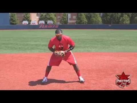 How to Fundamentally Field a Ground Ball with Brandon Phillips - YouTube