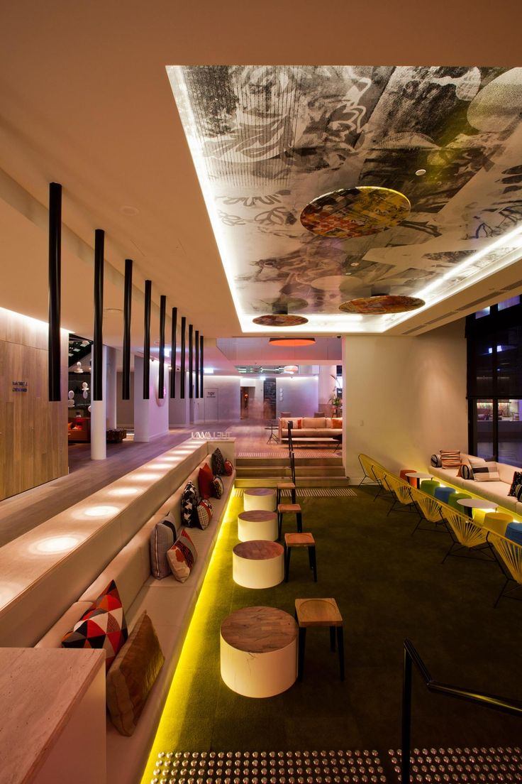 Qt gold coast hotel australia designed by nicholas graham for Interior design gold coast